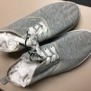 NWOT, Style Tennis Shoes